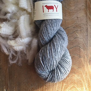 Grey_mist_with_raw_wool_small2