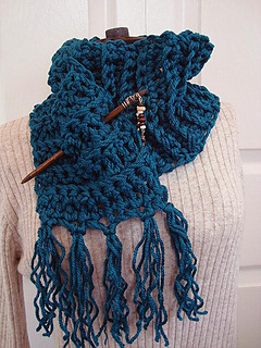 Chunky_teal_crochet_scarf_with_fringe_small2