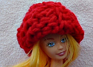 Red_barbie_crochet_hat1_small2