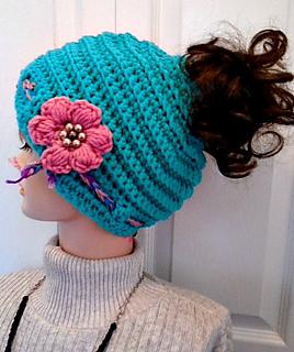 6b4c348d0d879 Ravelry  1089-YT Messy Bun Hat