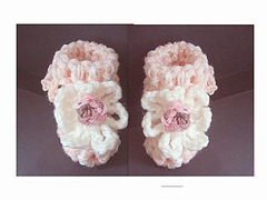 Frilly_top_booties1_small