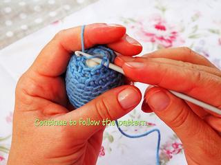 Crocheted_easter_egg_23_1_small2
