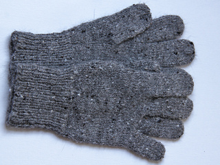 Homespun_gloves_for_dad_ii__1024x768__small2