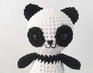 Amigurumi Oso Panda Patron : Ravelry amigurumi patch the panda bear pattern by ida herter