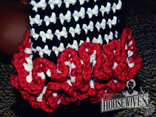 92a0c63522736 Ravelry: Houndstooth Leg Warmers pattern by Hooking Housewives