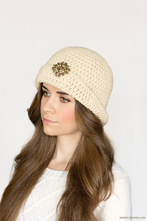 877400c8af2 Ravelry  1920 s Great Gatsby Cloche Hat pattern by Olivia Kent