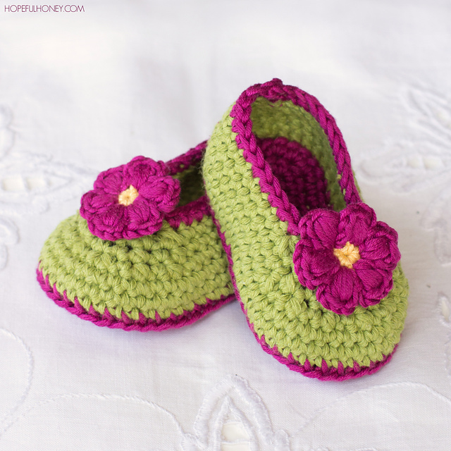 Ravelry: Fairy Blossom Baby Booties pattern by Olivia Kent