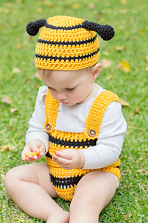 Bumble_bee_baby_outfit_crochet_pattern_4_small2