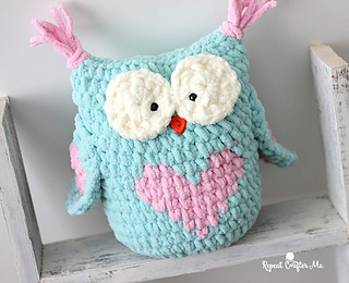 43e6c0c19 Ravelry  Valentine Heart Owl pattern by Sarah Zimmerman