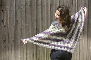 Crochet-beginners-triangle-shawl_small2