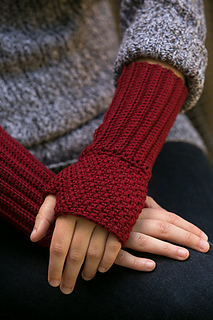 Ravelry: Regal Wristwarmers pattern by Knot Theorist Designs