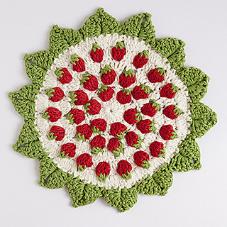 Strawberry_crochet_coaster_sm_small2