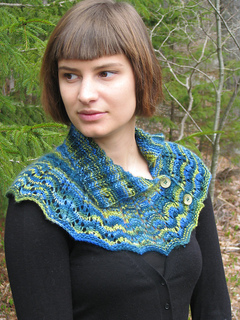 Deep_woods_cowl_open_collar--re-sized_small2
