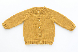 689ed720b Ravelry  b11-26 Cardigan with pockets and raglan sleeves pattern by ...