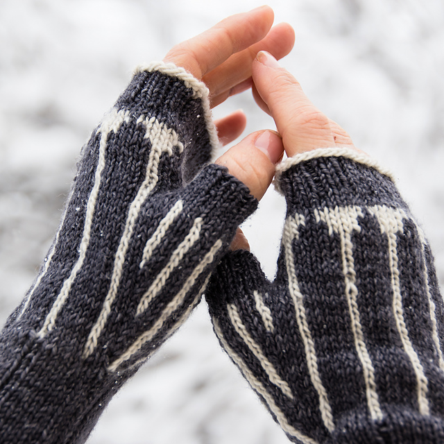 Pinstripes Mitts knitting pattern
