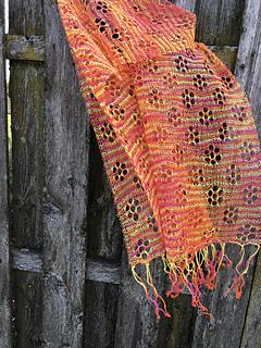 Scarf Daisy pattern by Inna Voltchkova