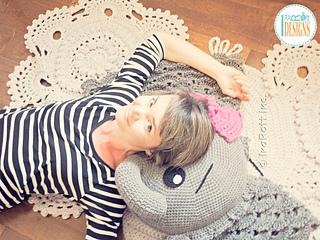 Josefina_and_jeffery_elephants_pillow_pattern_by_irarott__4__small2