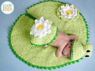 Frog_hat_nursery_rug_crochet_pattern_small2