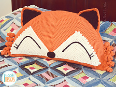 Foxy_the_fox_pillow_crochet_pattern_by_irarott__1__small