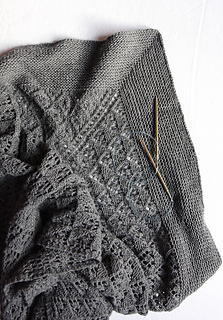 Capella_shawl_with_needles_small2
