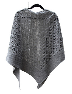 Capella_shawl_hanging_back_small2