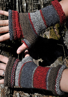 Red-mitts-sandy_oct2013-1_small2
