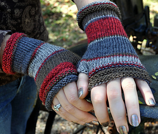 Red-mitts-sandy_oct2013-3_small2