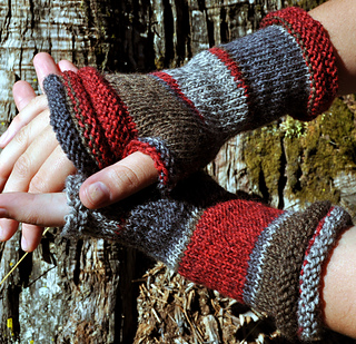 Red-mitts-sandy_oct2013-4_small2