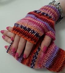 Sarah_fingerless_gloves_small