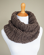 Outlander-cowl---brown_small_best_fit