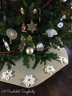 Pointsetta Christmas Tree.Poinsettia Christmas Tree Skirt Pattern By Jennifer Pionk