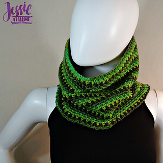 Green_gradient_cowl_free_corhcet_pattern_by_jessie_at_home_-_1_small2