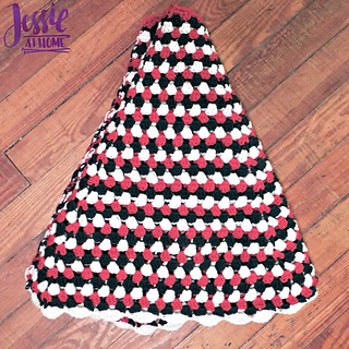 Granny_stripe_tree_skirt_free_crochet_pattern_by_jessie_at_home_-_2_small2