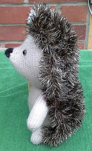 Henrietta_hedgehog__side__medium