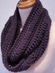 Edie_infinity_scarf2_small