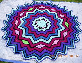 Stained_glass_round_ripple_afghan_3_18_2013_small2