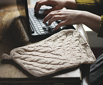 Cabled-netbook-cozy-1a_small_best_fit