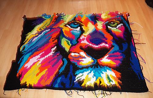 Neon_lion_5_medium