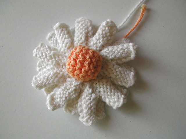 100 Flowers To Knit And Crochet Pdf