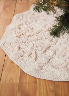 reputable site f9c3f 0f2d9 Ravelry: Tannenbaum Tree Skirt pattern by Allison Griffith