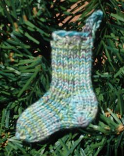 Kk_08_sock_ornament_005_small2