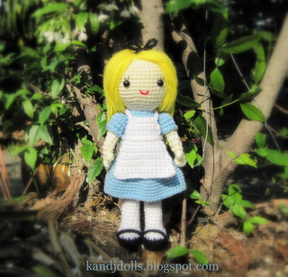 Alice_in_wonderland_amigurumi_crochet_pattern_for_a_doll_2_small2