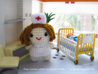 Nurse_free_amigurumi_crochet_pattern_small2