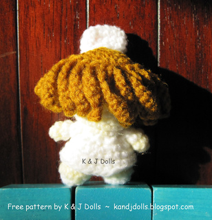 Nurse_free_crochet_pattern_small2