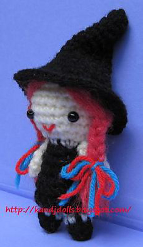 Little_witch_halloween_crochet_pattern_side_medium