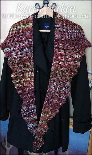Knitting_sweetruffledshawlette2_003_medium