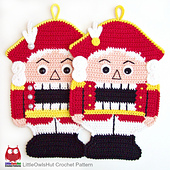Wm_ravelry_2_108_nutcracker_pothlder_crochet_pattern_littleowlshut_amigurumi_zabelina_small_best_fit