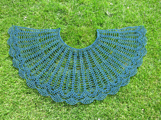 Elsie_s_shawl_2a_small2