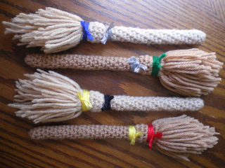 Hogwarts_broomsticks_1_small2