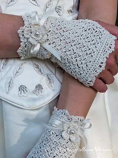 Wrappedinlacebridalgloves3_full_small2